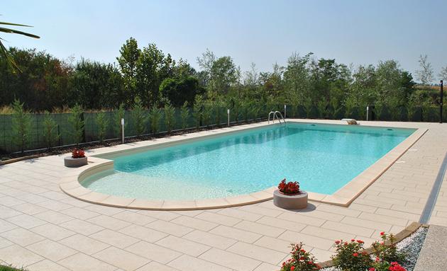 Vendita piscine interrate piscina con scala romana kora for Piscine prefabbricate interrate prezzi