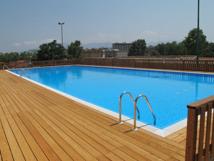 Vendita piscine interrate piscine interrate a sfioro - Offerte piscine interrate ...